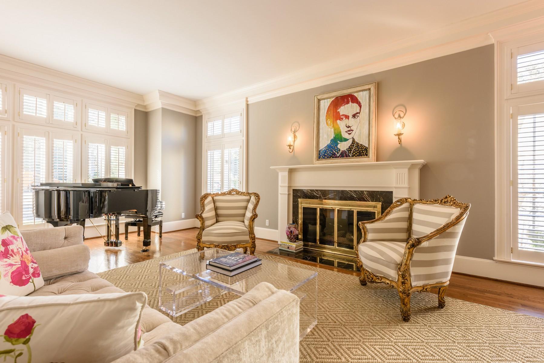 Nhà ở một gia đình vì Bán tại Chic and Sophisticated 2507 El Greco Cv Austin, Texas 78703 Hoa Kỳ