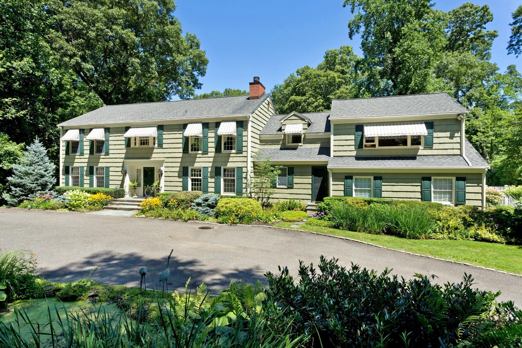 独户住宅 为 销售 在 Colonial 7 North Ct 牡蛎湾, 纽约州, 11771 美国