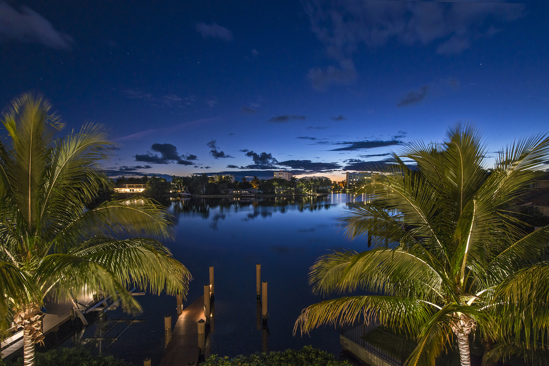 Villa per Vendita alle ore THE MOORINGS 1851 Crayton Rd The Moorings, Naples, Florida 34102 Stati Uniti