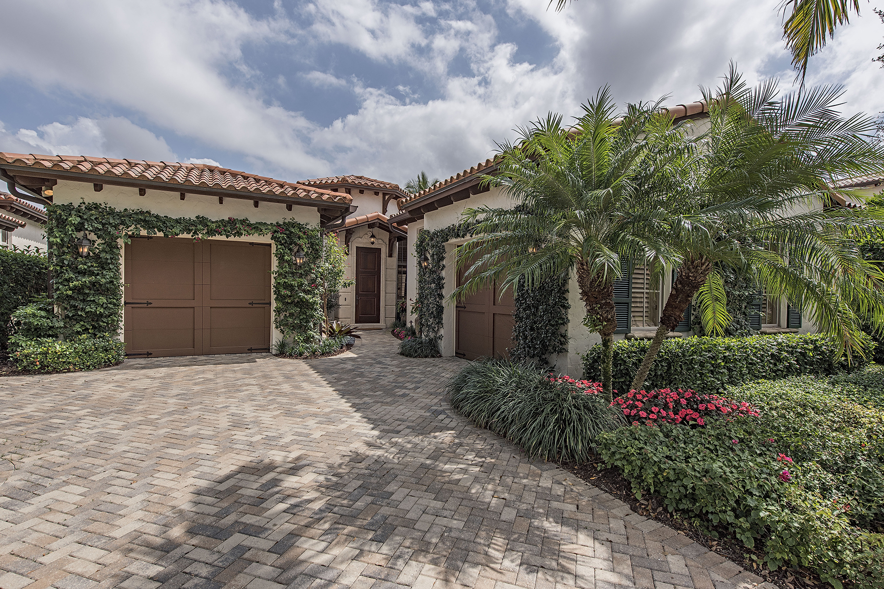 Single Family Home for Sale at GREY OAKS - ESTUARY AT GREY OAKS 1322 Noble Heron Way Naples, Florida 34105 United States