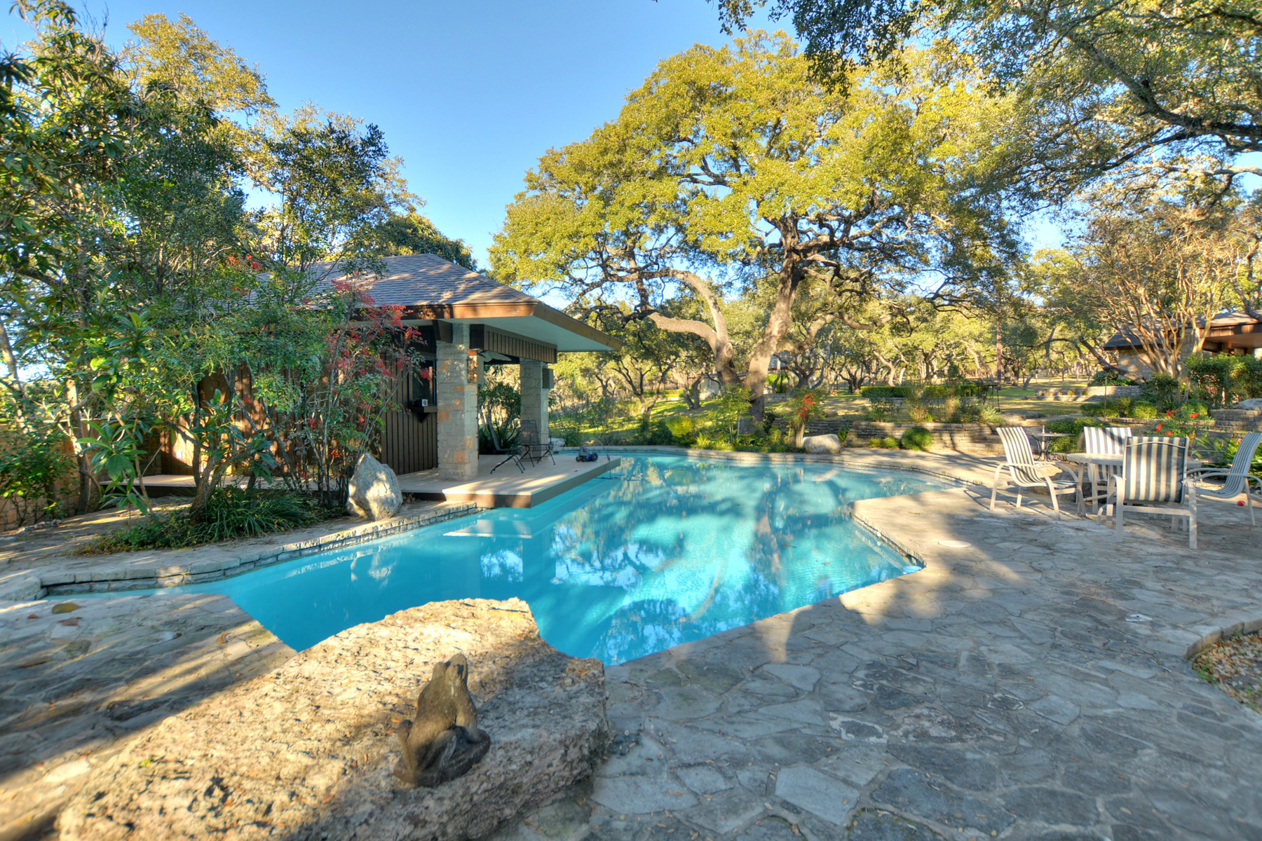 Additional photo for property listing at Hill Country Estate Sitting on 2.81+- Acres 12 Chaparral Hill Rd Boerne, Texas 78006 United States