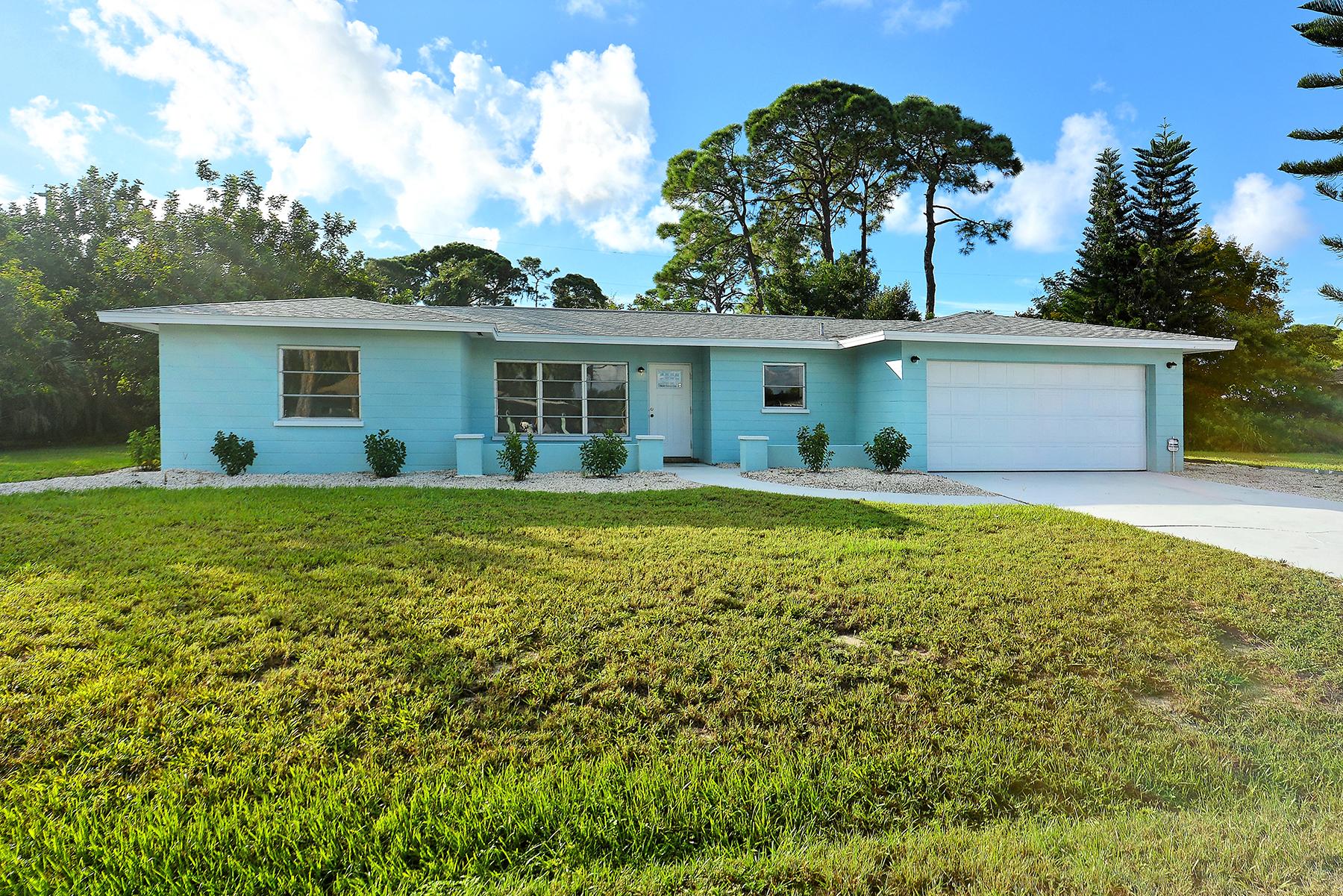Einfamilienhaus für Verkauf beim SOUTH VENICE 1165 Lemon Bay Dr Venice, Florida, 34293 Vereinigte Staaten