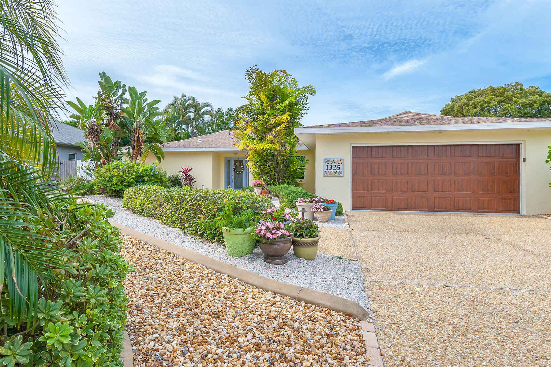 Villa per Vendita alle ore PINEBROOK SOUTH 1325 Pine Needle Rd Venice, Florida 34285 Stati Uniti