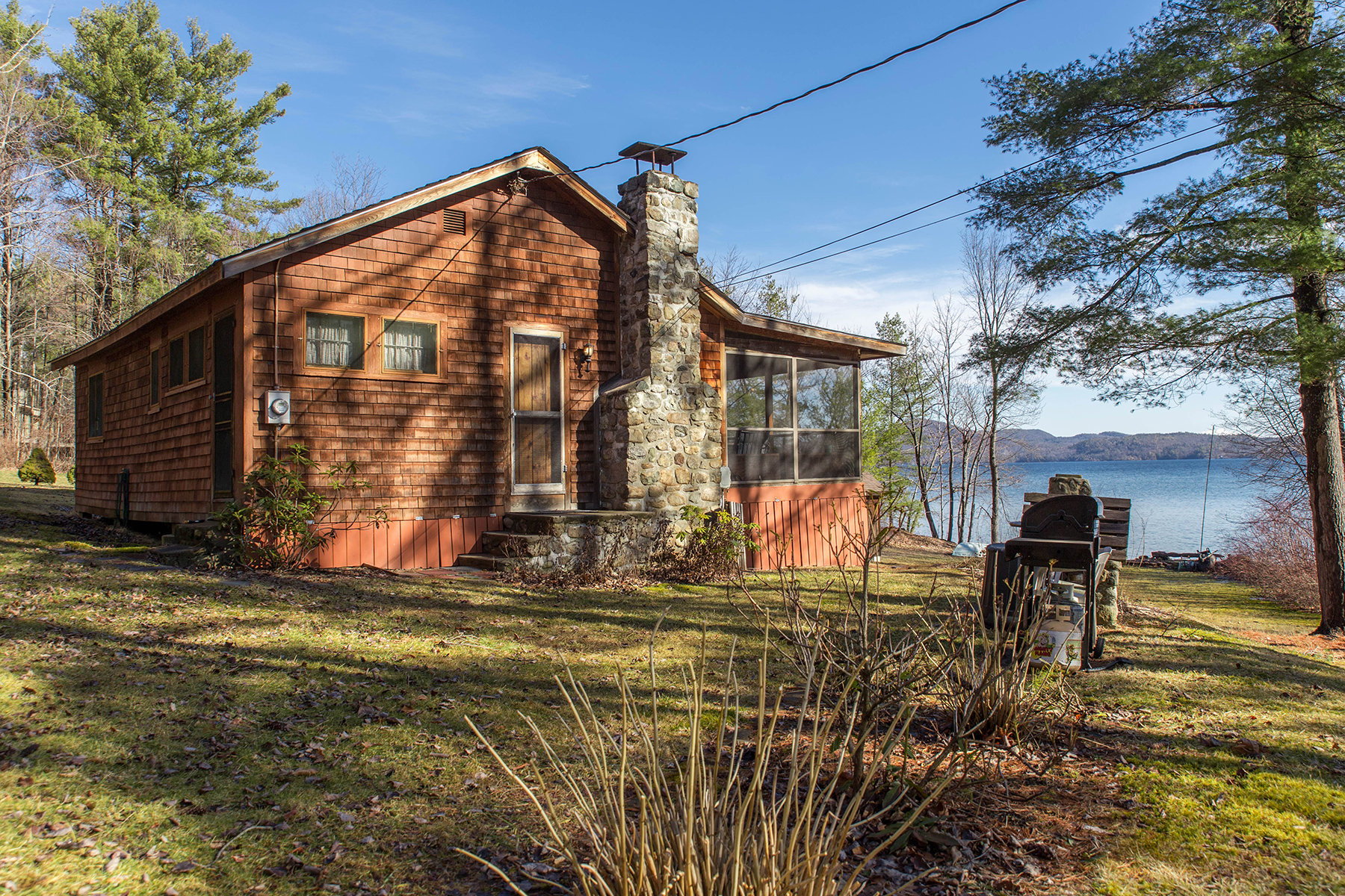 Additional photo for property listing at Adirondack Cottage on Serene Shores of Lake George 19  Pine Cove Rd Hague, New York 12836 États-Unis