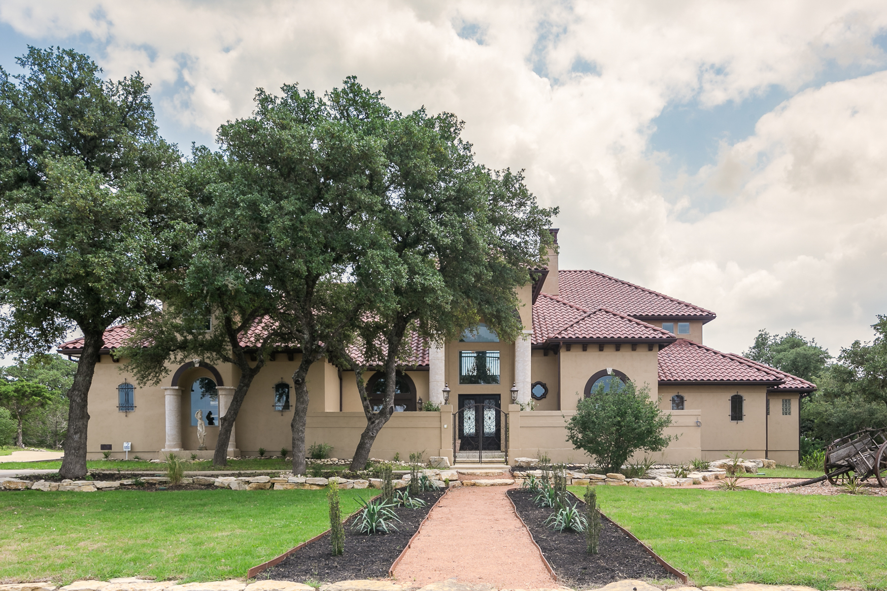Single Family Home for Sale at Amazing Home in Mystic Shores 261 River Ridge Spring Branch, Texas 78070 United States