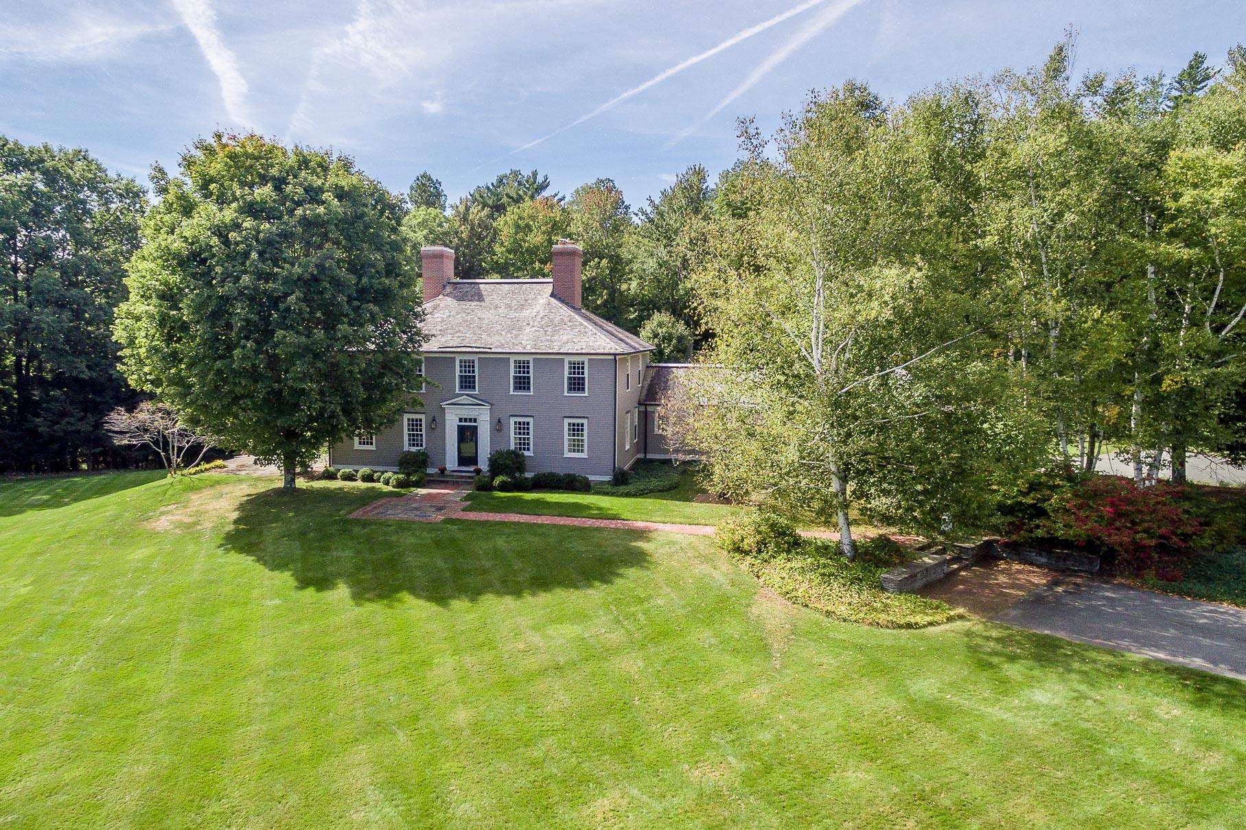 Maison unifamiliale pour l Vente à 2 Parade Ground Road, Etna 2 Parade Ground Rd Etna, New Hampshire, 03750 États-Unis