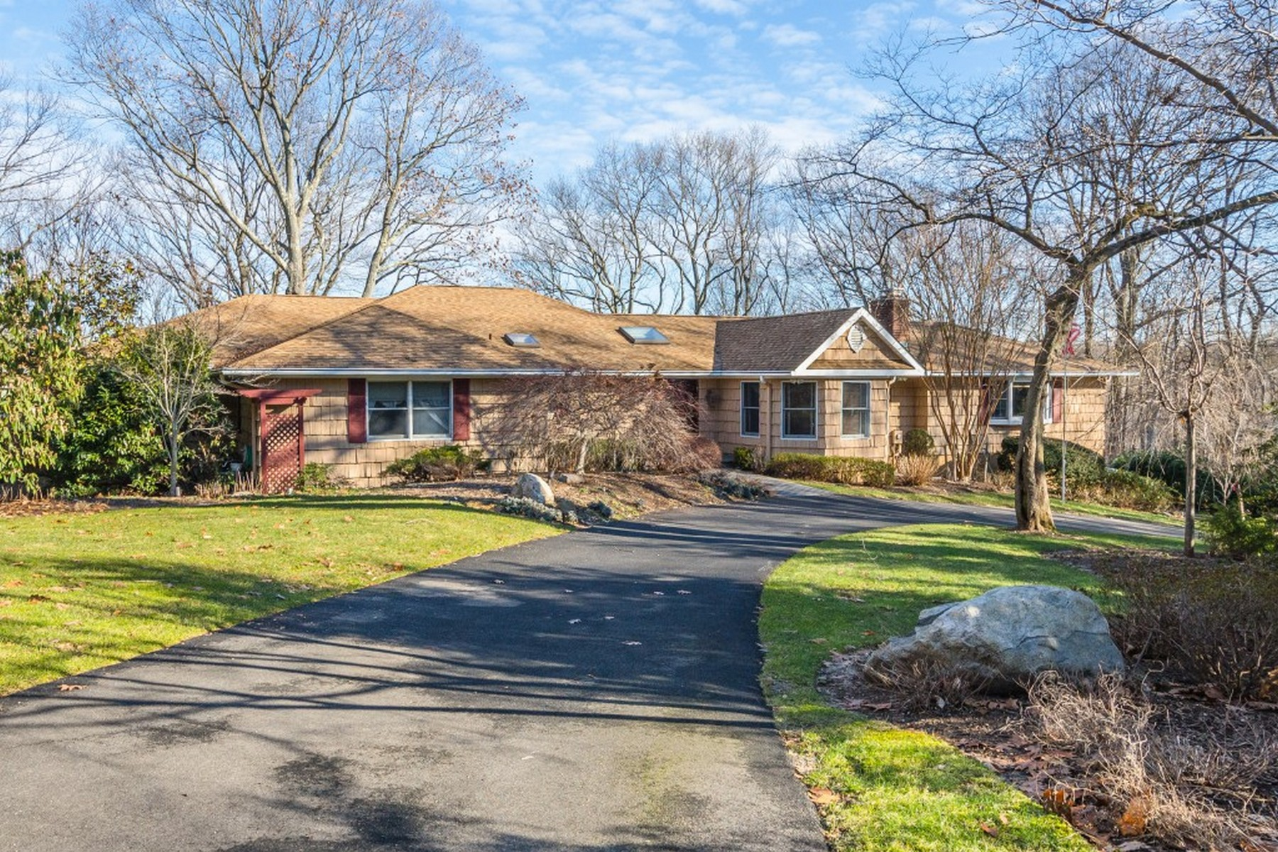 Single Family Home for Sale at Exp Ranch 11 Beaver Dr Locust Valley, New York 11560 United States