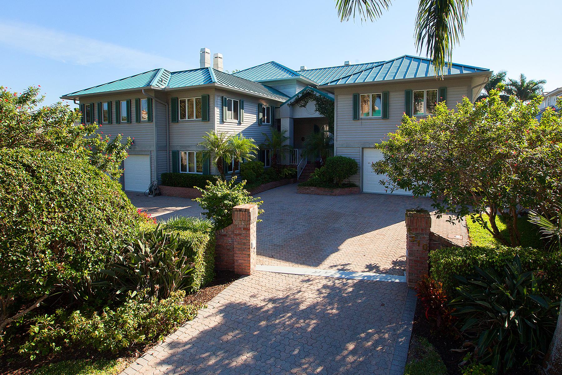 Einfamilienhaus für Verkauf beim PARK SHORE 310 Neapolitan Way Naples, Florida 34103 Vereinigte Staaten