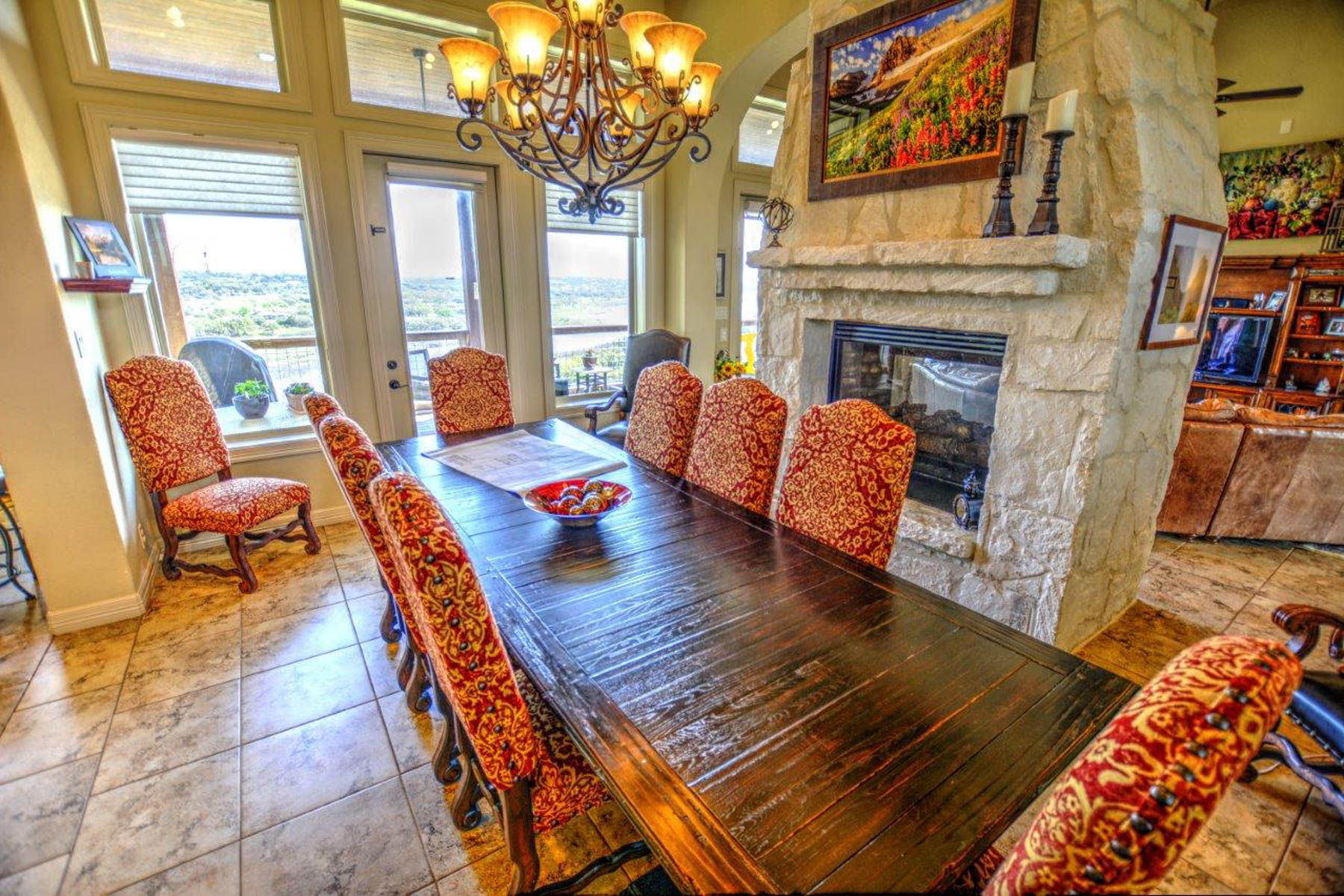 Additional photo for property listing at Lake Front Cutom Home in Mystic Shores 552 River Hawk Spring Branch, Texas 78070 United States
