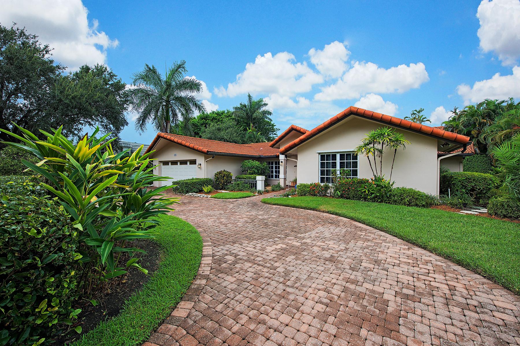 단독 가정 주택 용 매매 에 PARK SHORE 721 Willowhead Dr Naples, 플로리다, 34103 미국