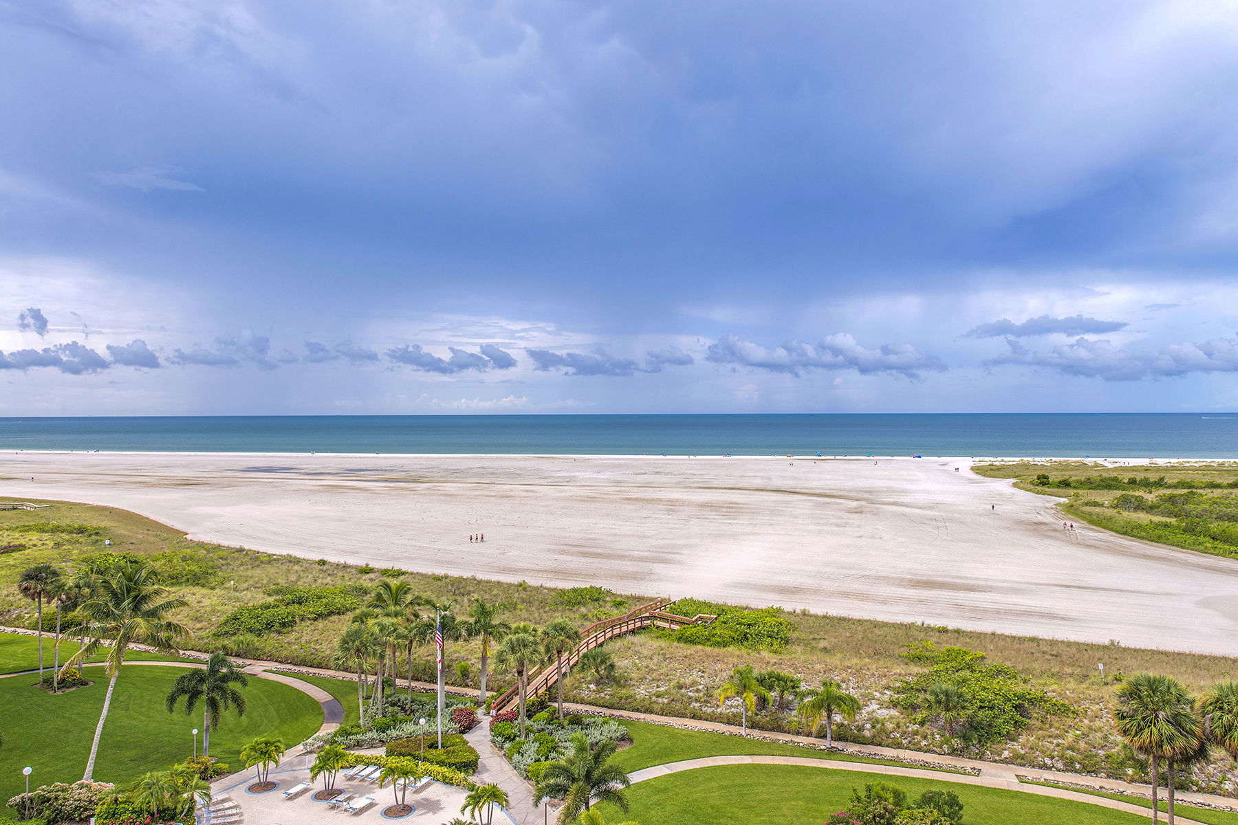 Condomínio para Venda às MARCO ISLAND - SOUTH SEAS TOWER 3 320 Seaview Ct 2-905 Marco Island, Florida 34145 Estados Unidos