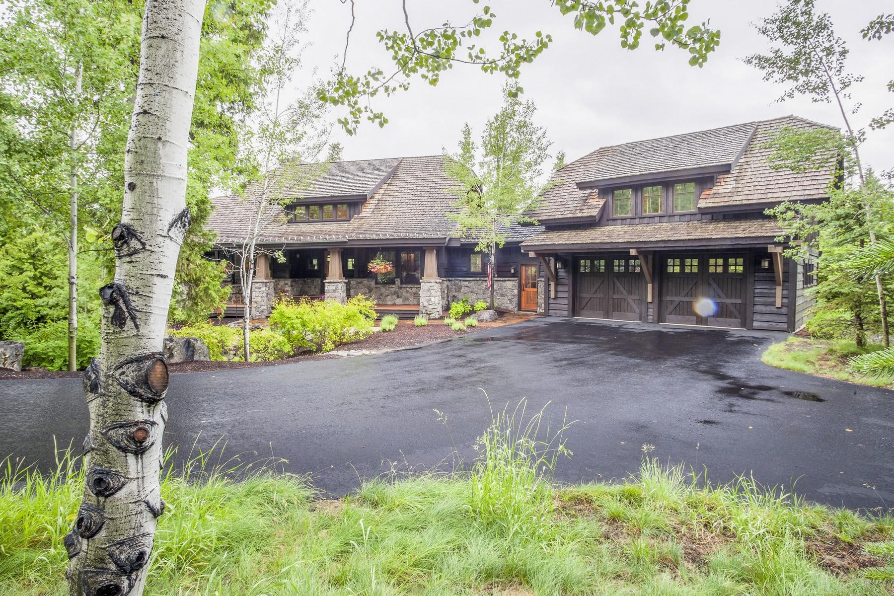 独户住宅 为 销售 在 Beautiful Home with Lush Grounds 177 S Shooting Star Iron Horse Golf Community, 怀特菲什, 蒙大拿州, 59937 美国