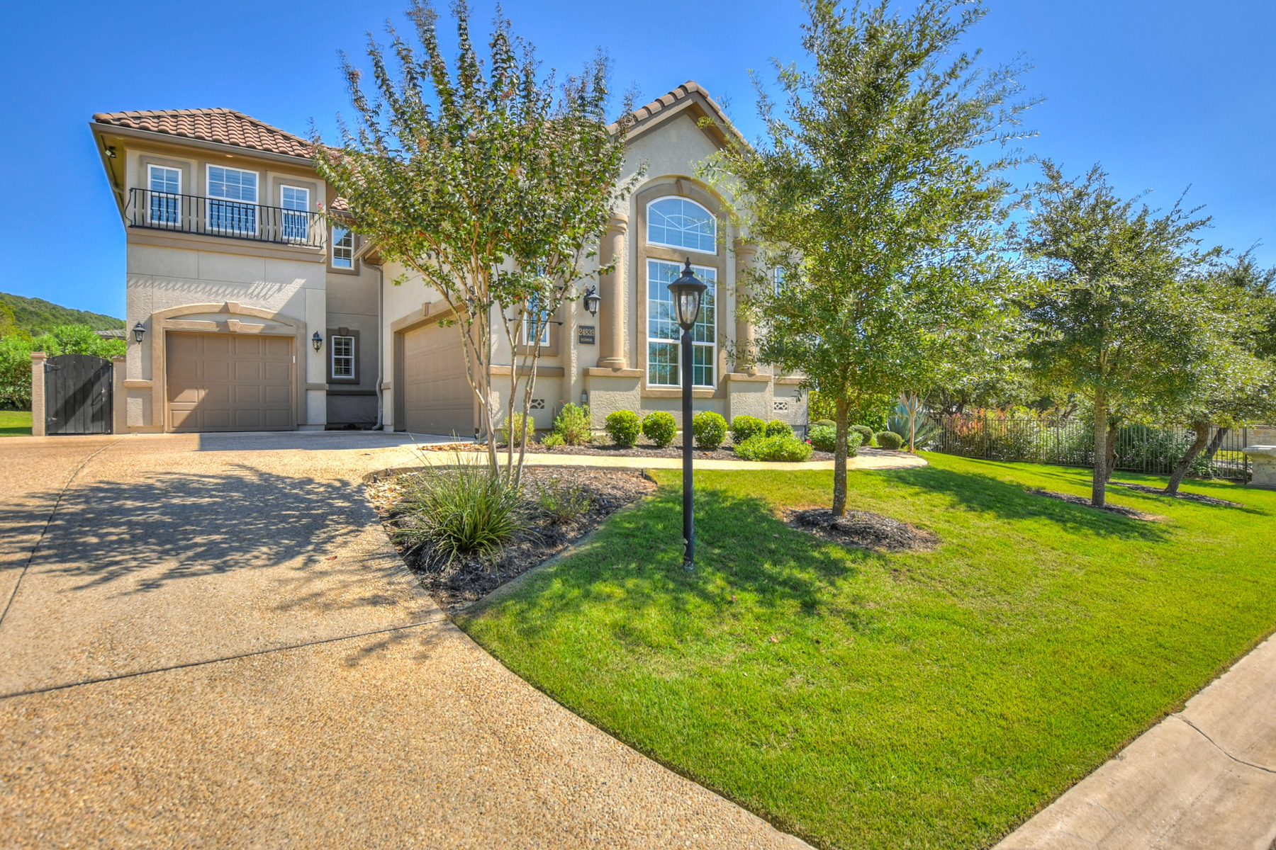 Additional photo for property listing at Award Winning Gem in The Dominion 24839 Ellesmere San Antonio, Texas 78257 United States