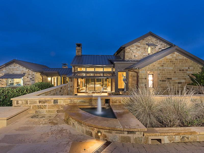 Maison unifamiliale pour l Vente à 5221 Musket Cv, Austin Austin, Texas 78738 États-Unis