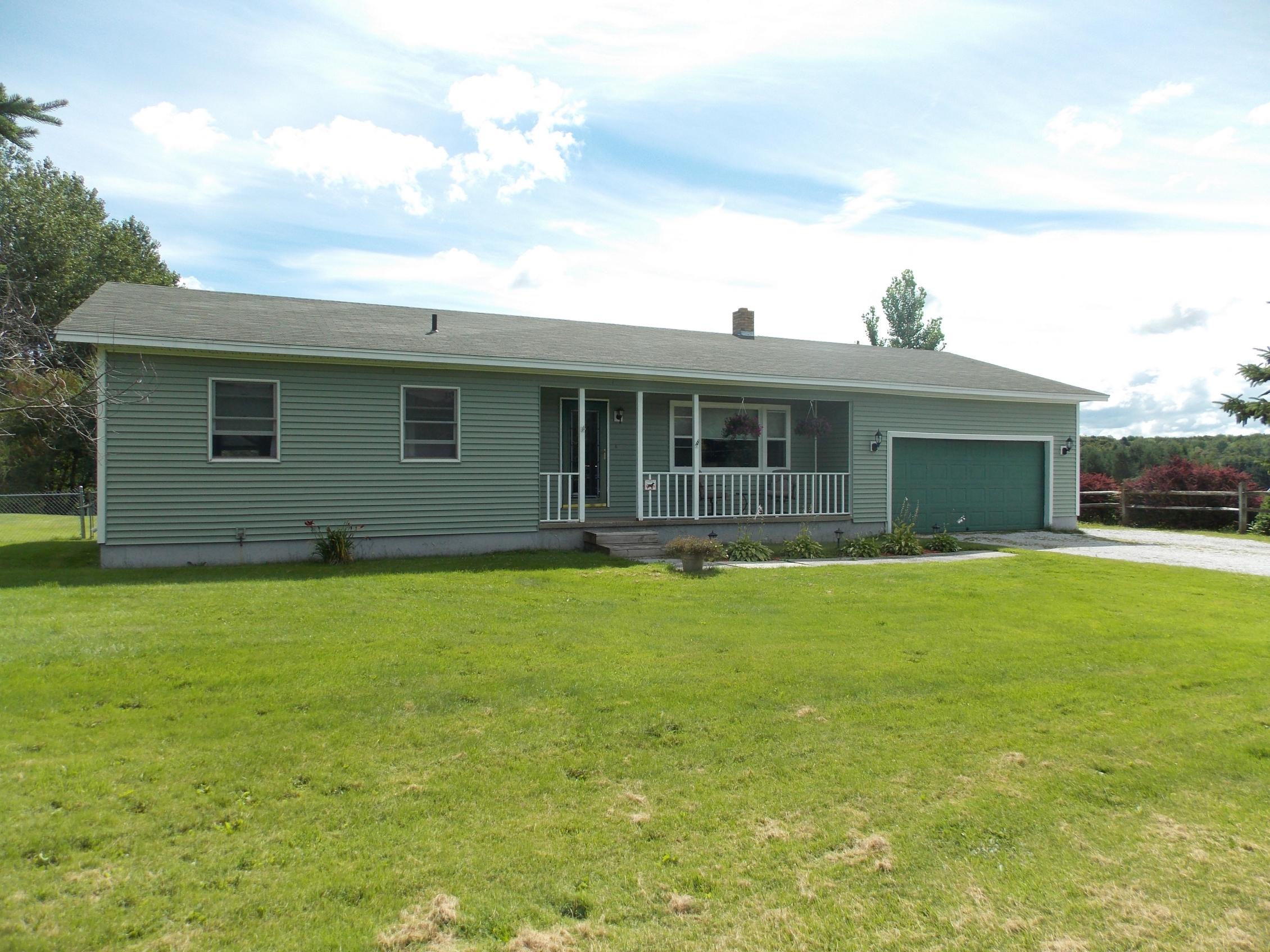 Casa para uma família para Venda às 91 Rugg Rd, St. Albans Town St. Albans, Vermont 05478 Estados Unidos