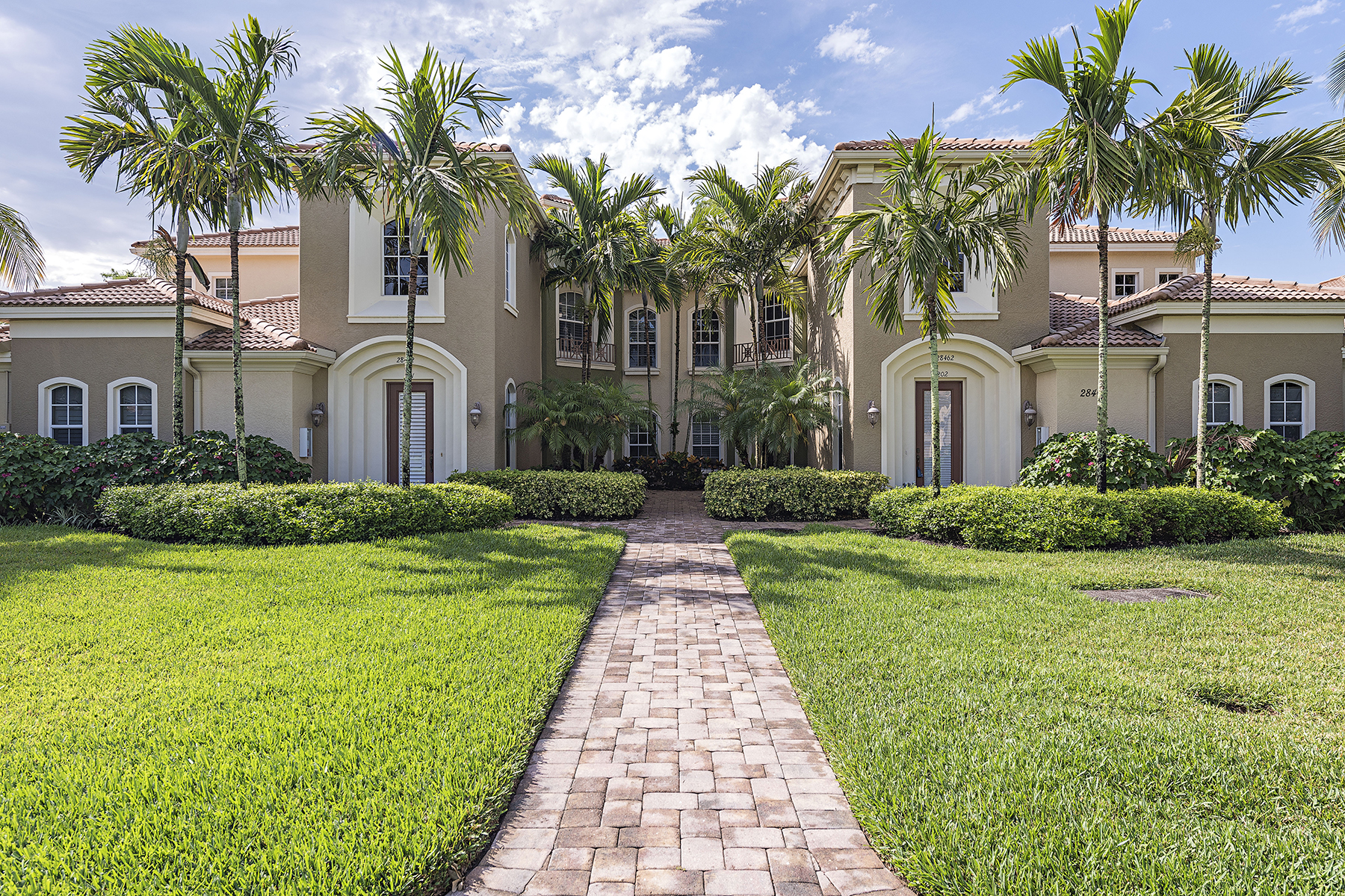 Condomínio para Venda às CASSIA - VASARI 28462 Altessa Way 202 Bonita Springs, Florida, 34135 Estados Unidos