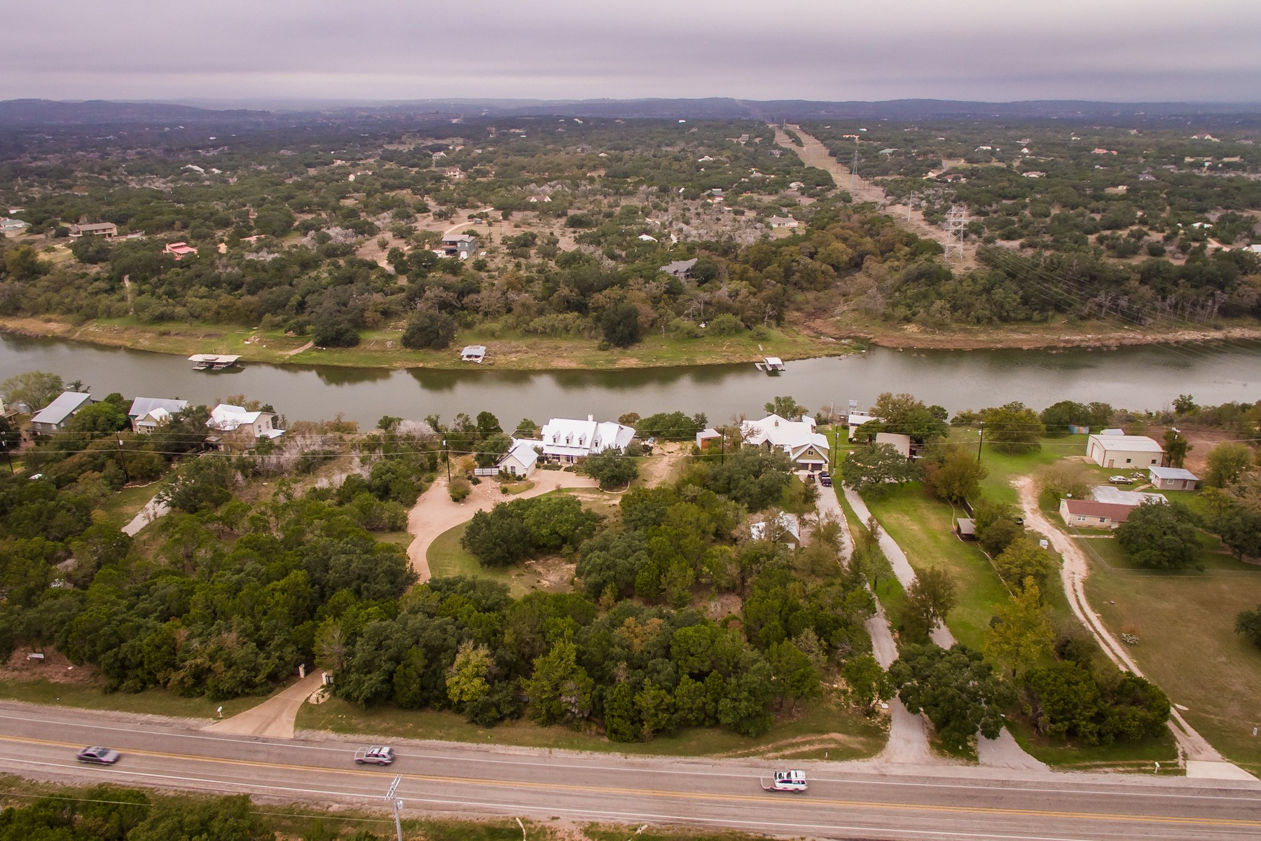 Additional photo for property listing at Tranquil Estate 2404 Pace Bend Rd S Spicewood, Texas 78669 Estados Unidos