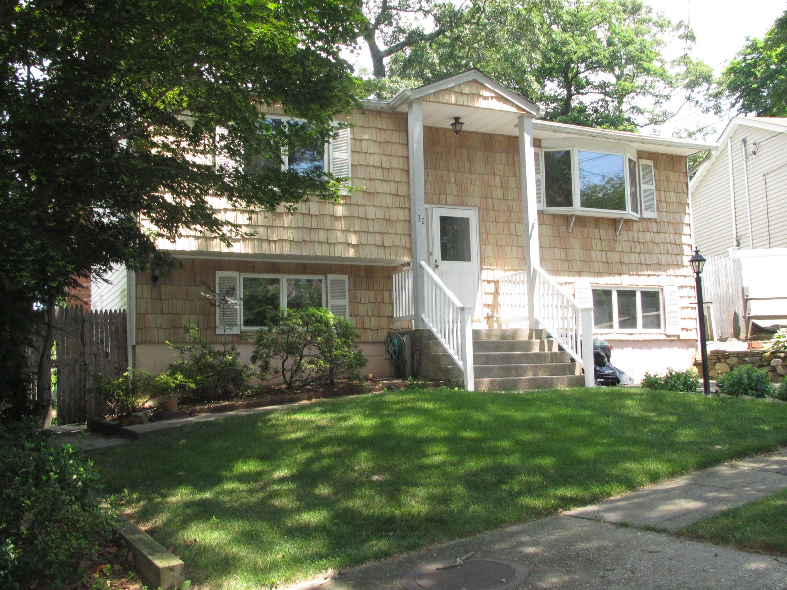 Single Family Home for Sale at Hi Ranch 32 Penny Dr Huntington Station, New York 11746 United States