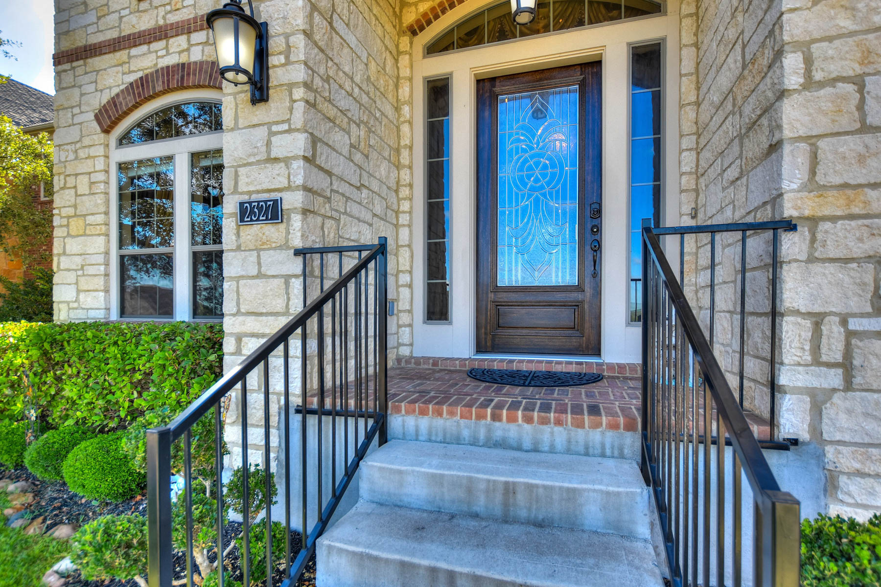 Additional photo for property listing at Amazing Home Loaded with Upgrades in New Braunfels 2327 Oak Run Pkwy New Braunfels, Texas 78132 Estados Unidos