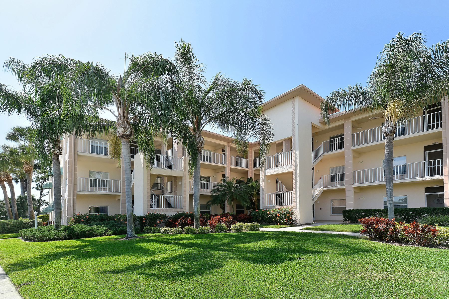 콘도미니엄 용 매매 에 SARASOTA 9610 Club South Cir 4101 Sarasota, 플로리다, 34238 미국