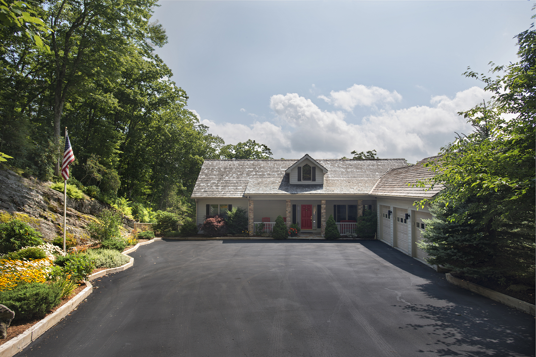 Single Family Home for Sale at LINVILLE - LINVILLE RIDGE 634 Chestnut Trail 34 Linville, North Carolina, 28646 United States