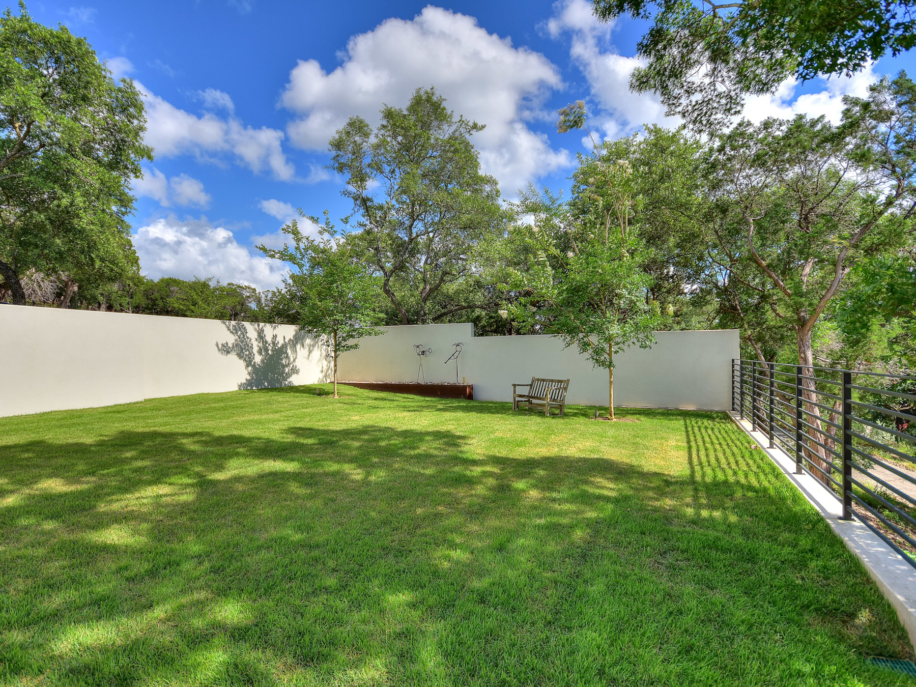 Additional photo for property listing at Exquisite Hilltop Modern in Westlake Hills 1438 Mount Larson Austin, Texas 78746 United States