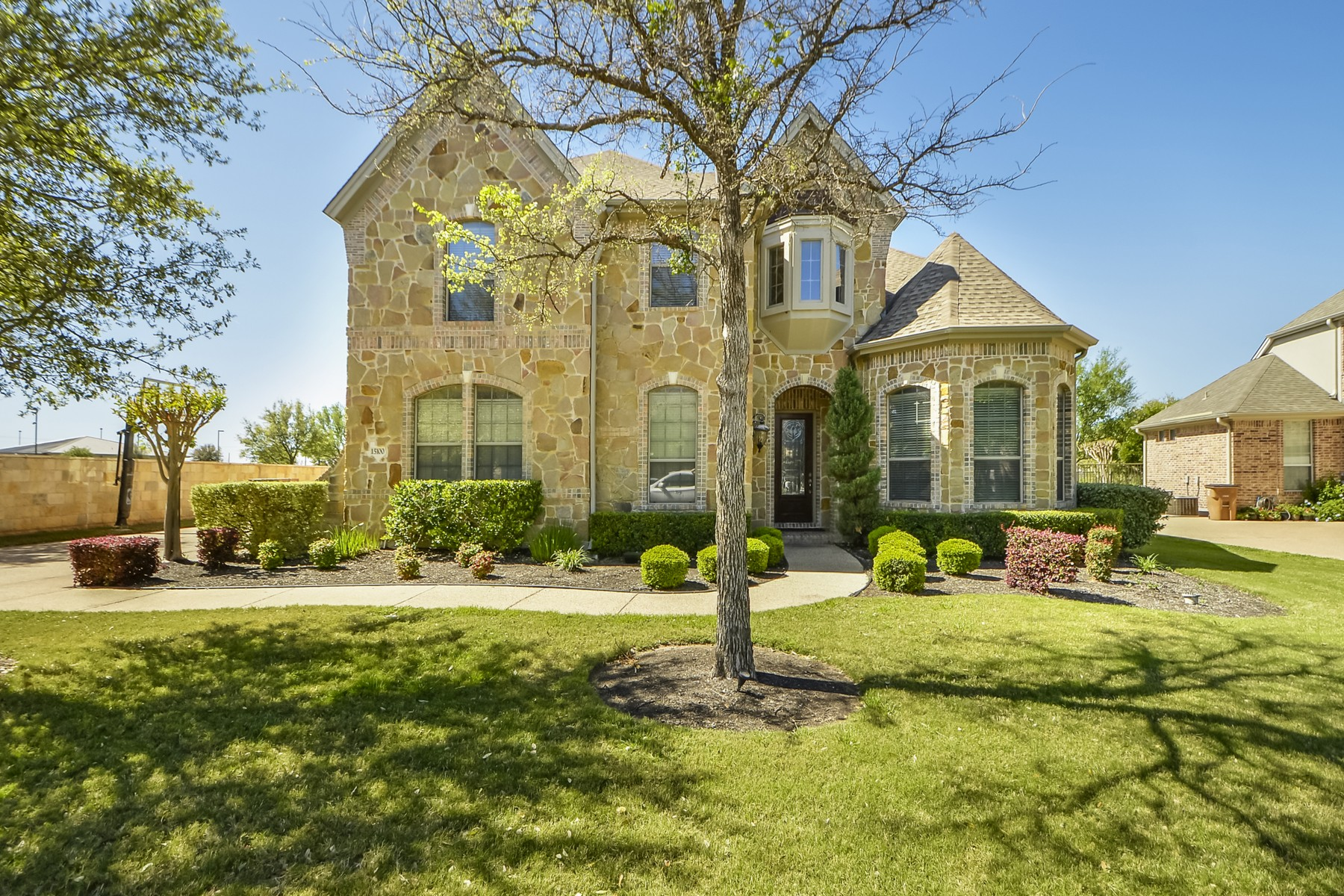 Single Family Home for Sale at Beautiful Custom Home on the Golf Course 15100 Sunningdale St Austin, Texas 78717 United States