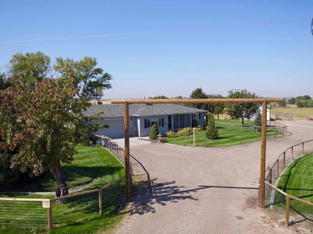 Maison unifamiliale pour l Vente à 26103 Harvey, Caldwell Caldwell, Idaho, 83607 États-Unis
