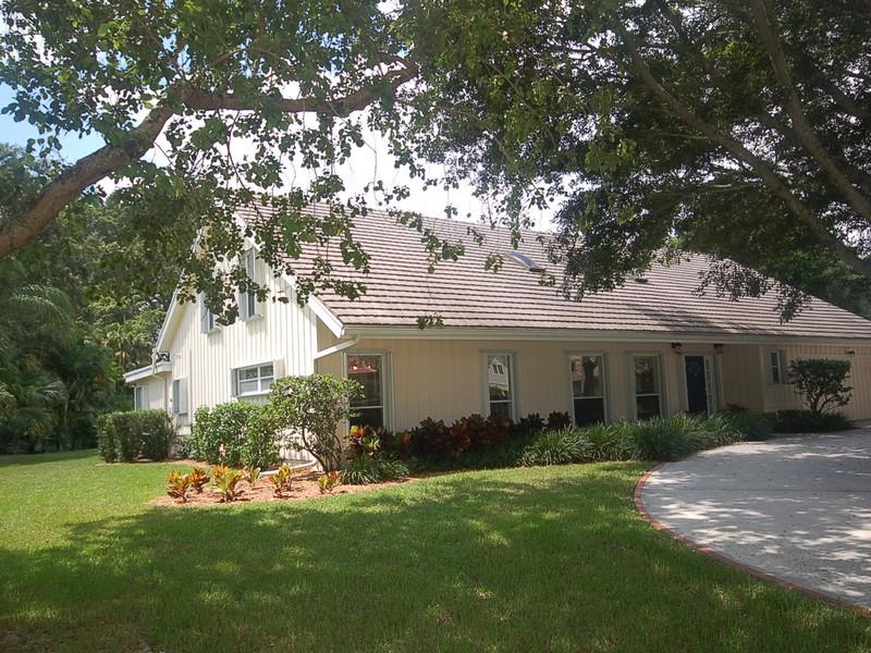 Villa per Vendita alle ore 1950 NW 29th Rd , Boca Raton, FL 33431 Boca Raton, Florida 33431 Stati Uniti