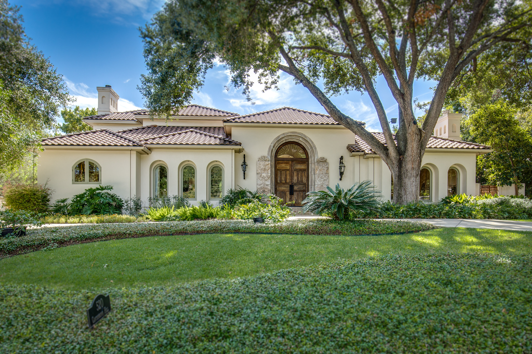 Moradia para Venda às Luxurious Retreat in Terrell Hills 520 Canterbury Hill San Antonio, Texas 78209 Estados Unidos