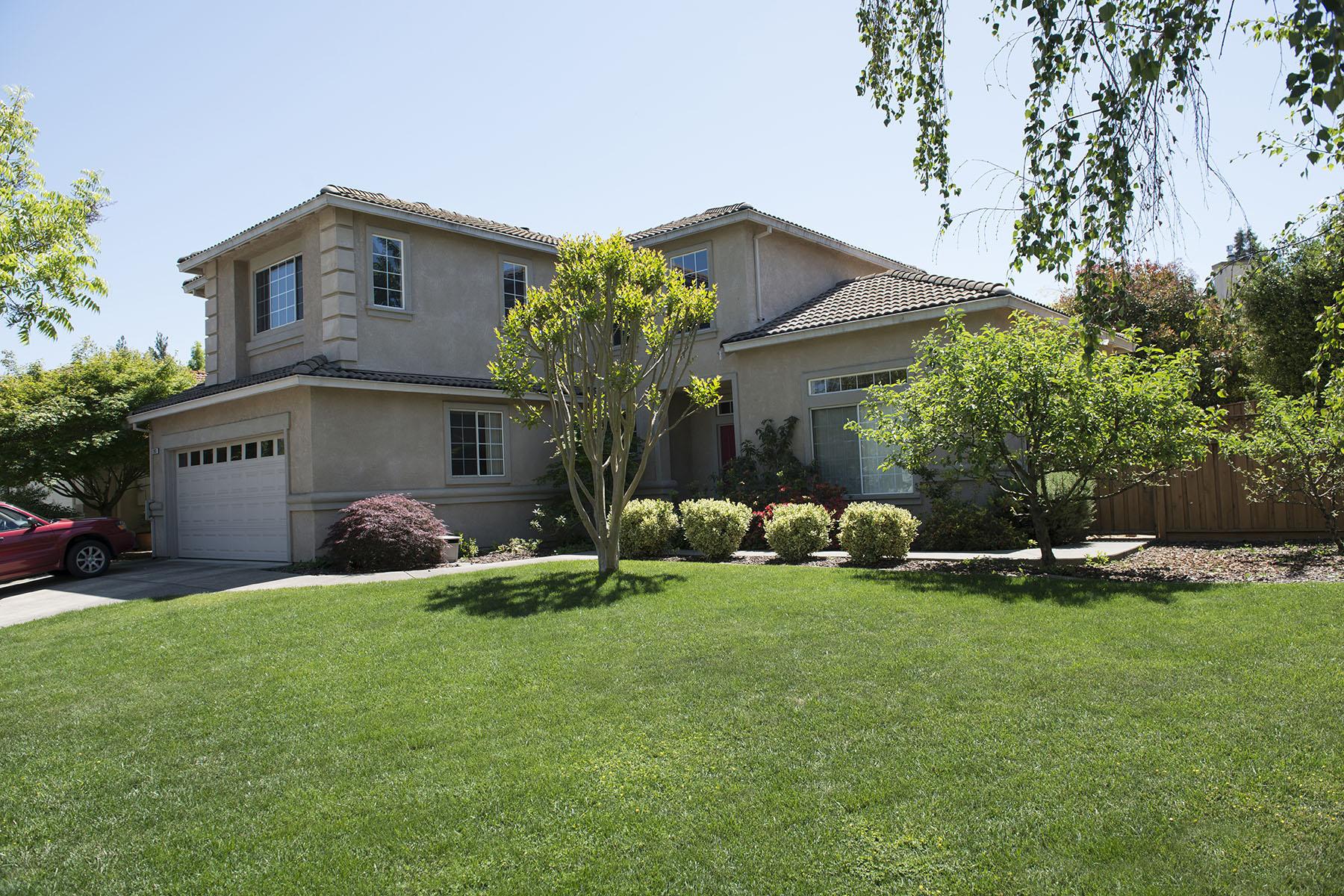 Частный односемейный дом для того Продажа на 1203 Cayetano Dr, Napa, CA 94559 1203 Cayetano Dr Napa, Калифорния, 94559 Соединенные Штаты