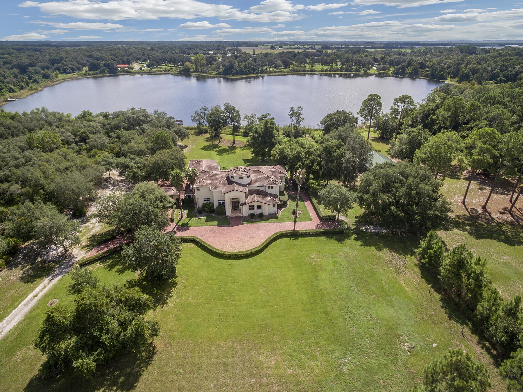 Casa para uma família para Venda às Orlando - Mount Dora 27007 Lake Lena Mount Dora, Florida, 32757 Estados Unidos