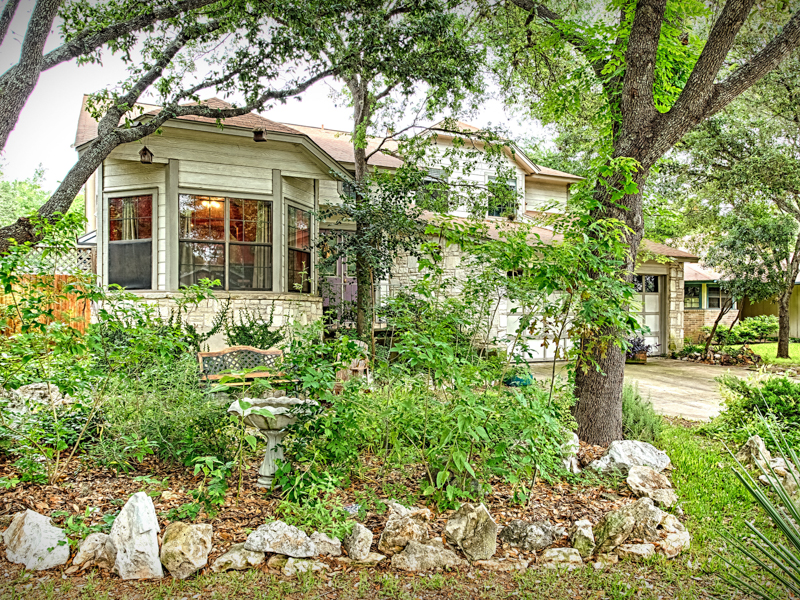 Single Family Home for Sale at Wonderful College Park Home 13842 Chisom Creek Dr College Park, San Antonio, Texas 78249 United States