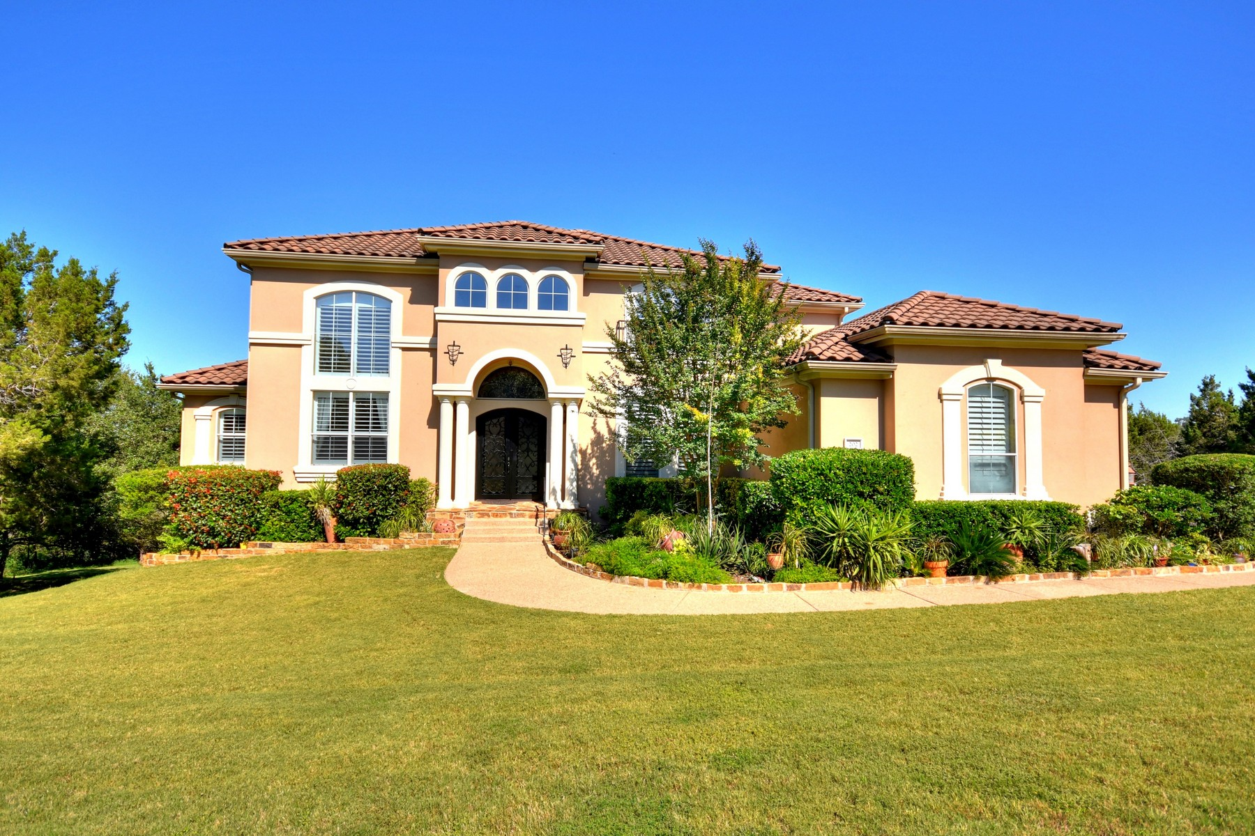 Single Family Home for Sale at Absolutely Gorgeous Custom Home 202 Far Vela Lakeway, Texas, 78734 United States