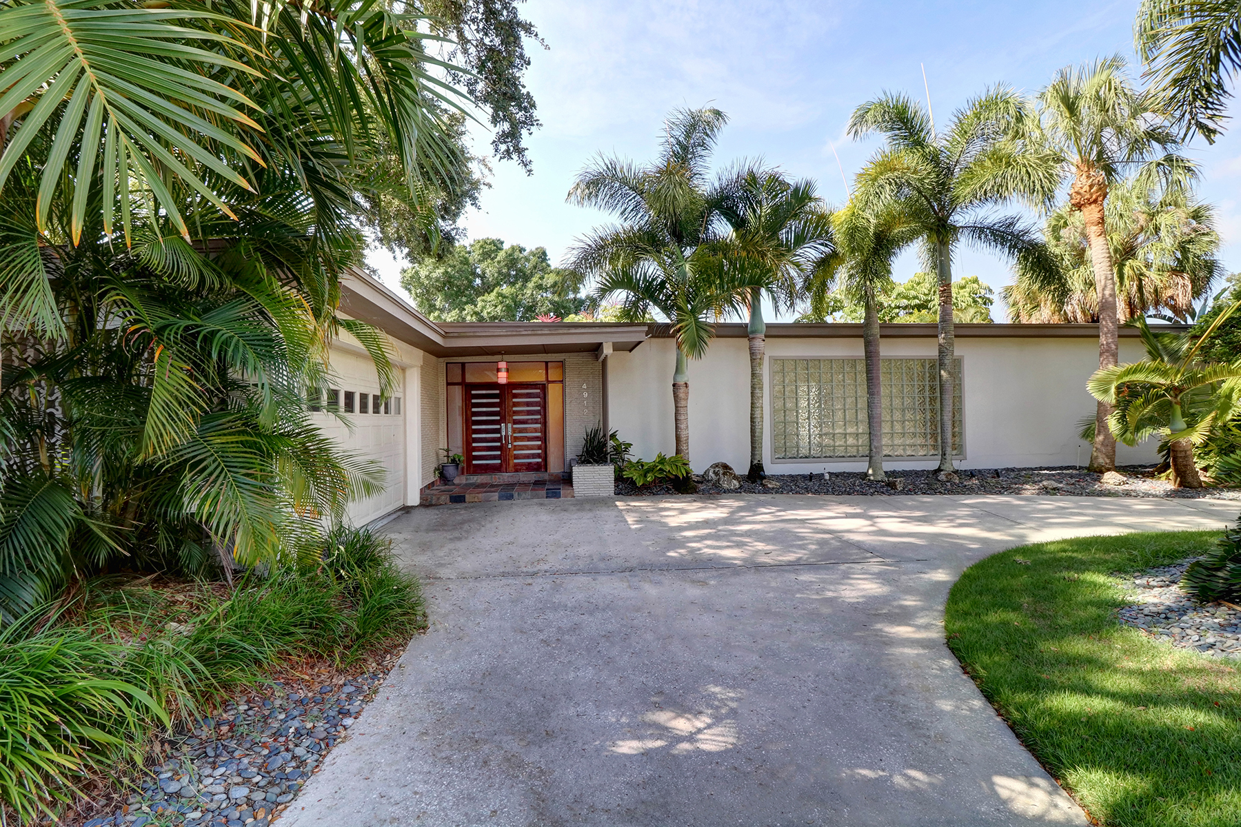 Single Family Home for Sale at SOUTH TAMPA 4912 S Melrose Ave Tampa, Florida, 33629 United States