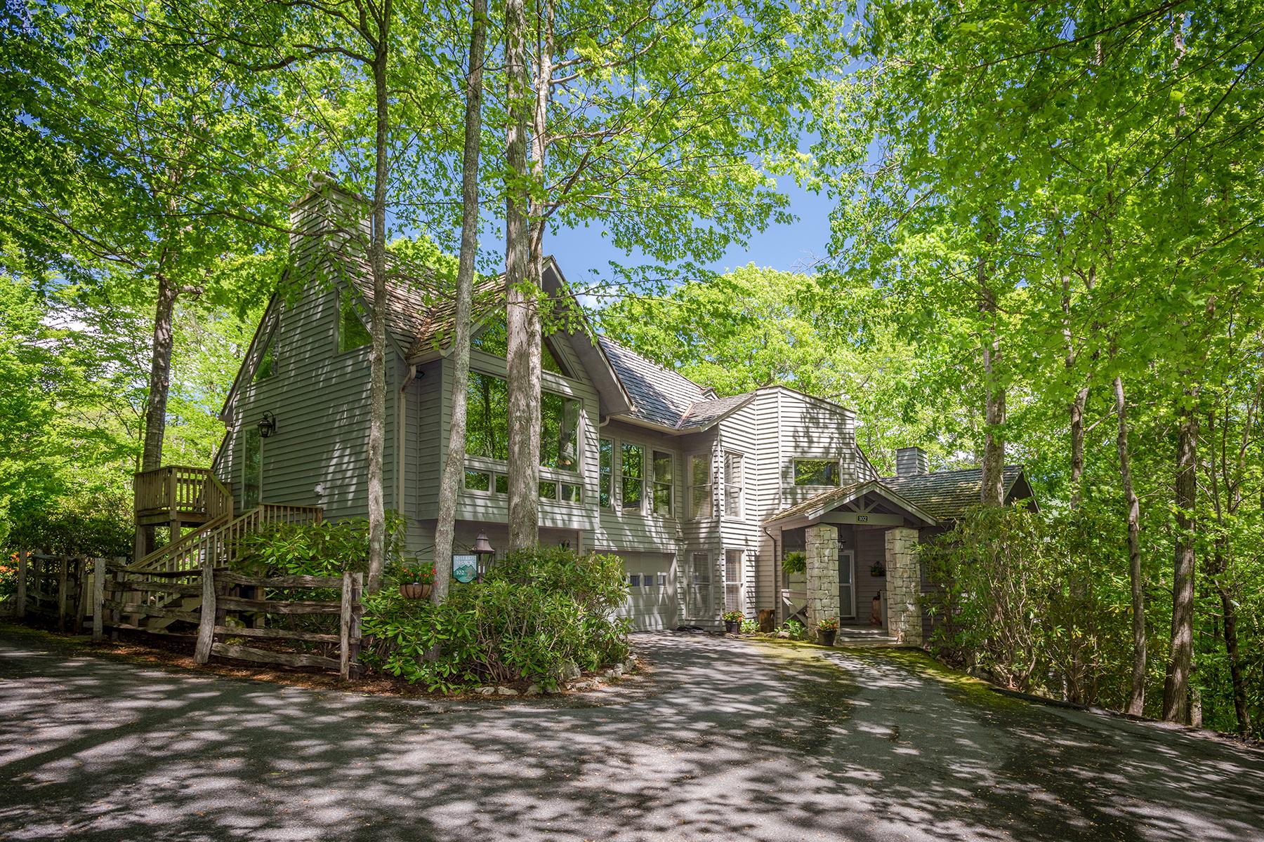 Appartement en copropriété pour l Vente à LINVILLE RIDGE 102 Woodlands Drive B Linville, Carolina Du Nord 28646 États-Unis