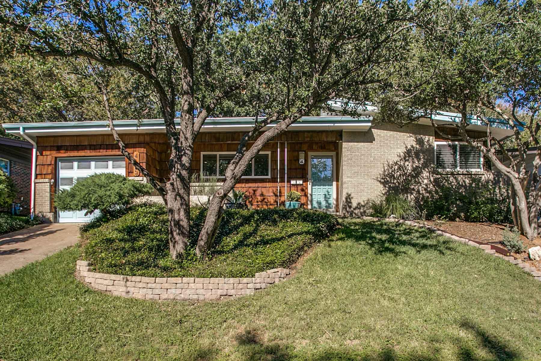 Nhà ở một gia đình vì Bán tại Sunset Heights Mid-Century Modern 4105 Eldridge St Fort Worth, Texas, 76107 Hoa Kỳ