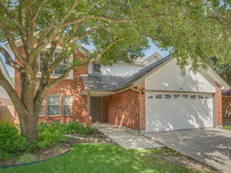 Single Family Home for Sale at DARLING HOME IN NORTHERN HEIGHTS 4742 Aspen Vw San Antonio, Texas 78217 United States
