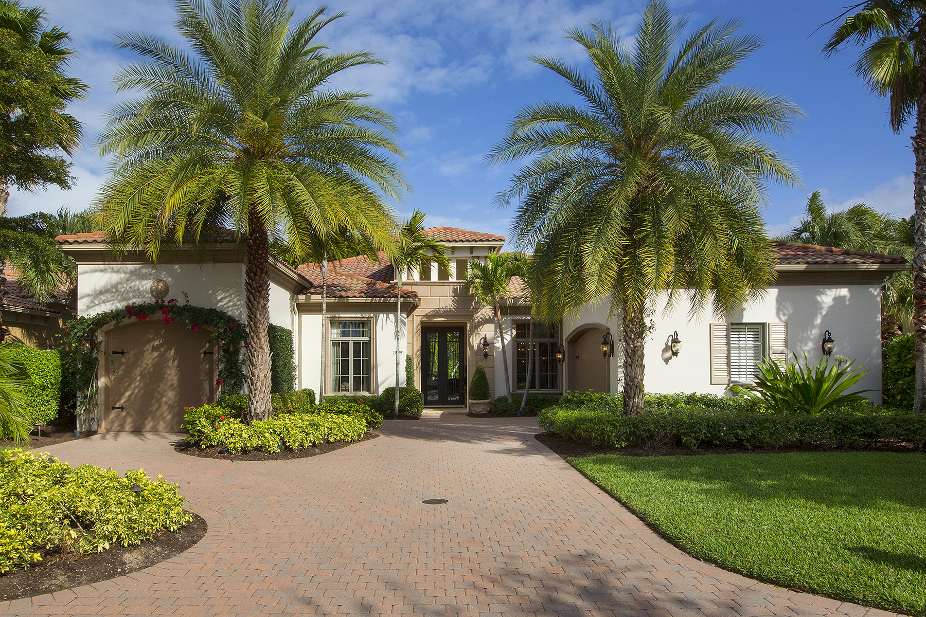 Single Family Home for Sale at 2199 Miramonte Way , Naples, FL 34105 2199 Miramonte Way Grey Oaks, Naples, Florida, 34105 United States