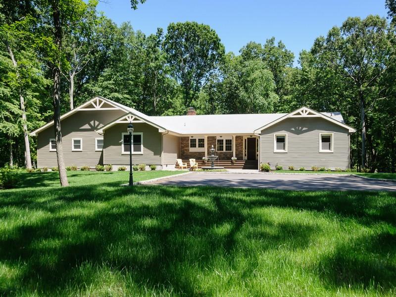 獨棟家庭住宅 為 出售 在 Ranch 3 Dolphins Rise Rd Lloyd Neck, 紐約州, 11743 美國