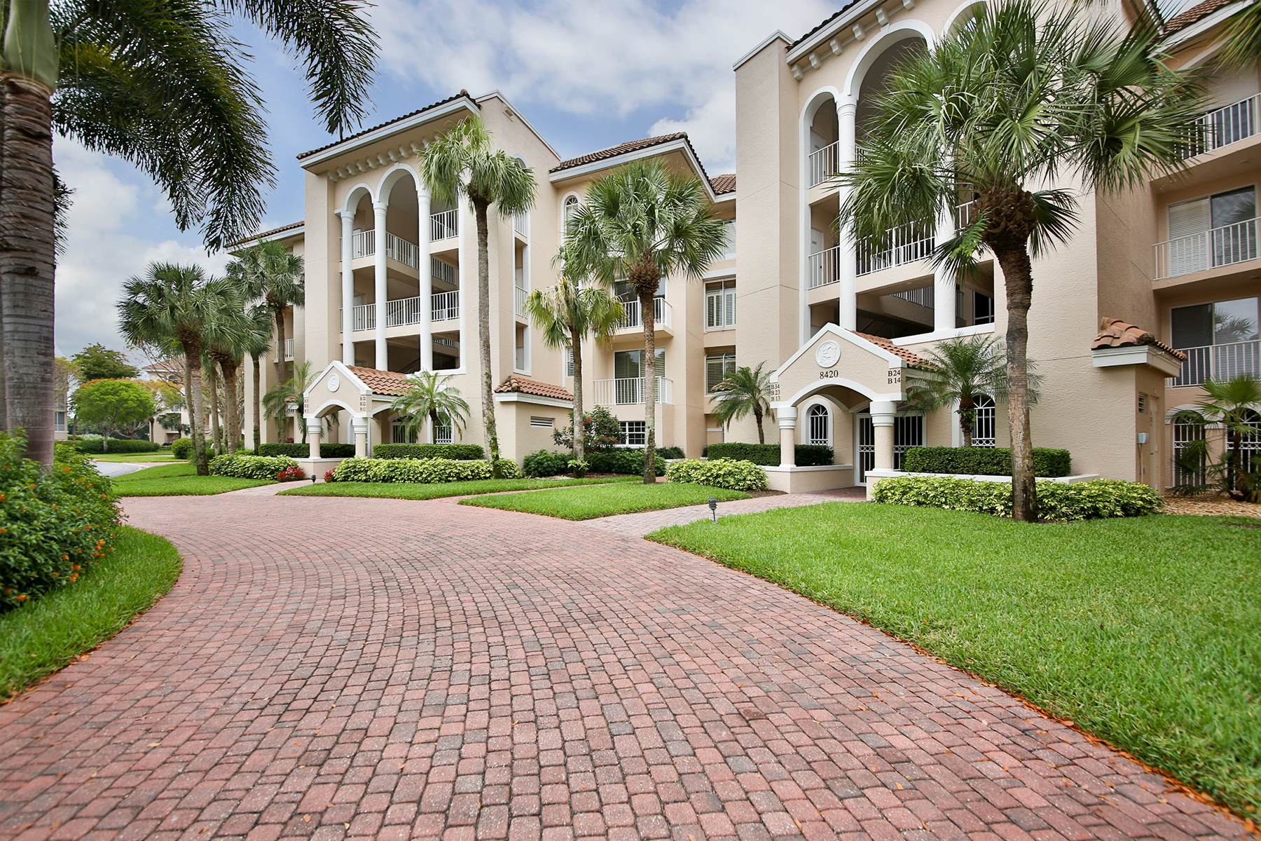 Condominium for Sale at 8420 Abbington Cir , B31, Naples, FL 34108 8420 Abbington Cir B31 Naples, Florida, 34108 United States