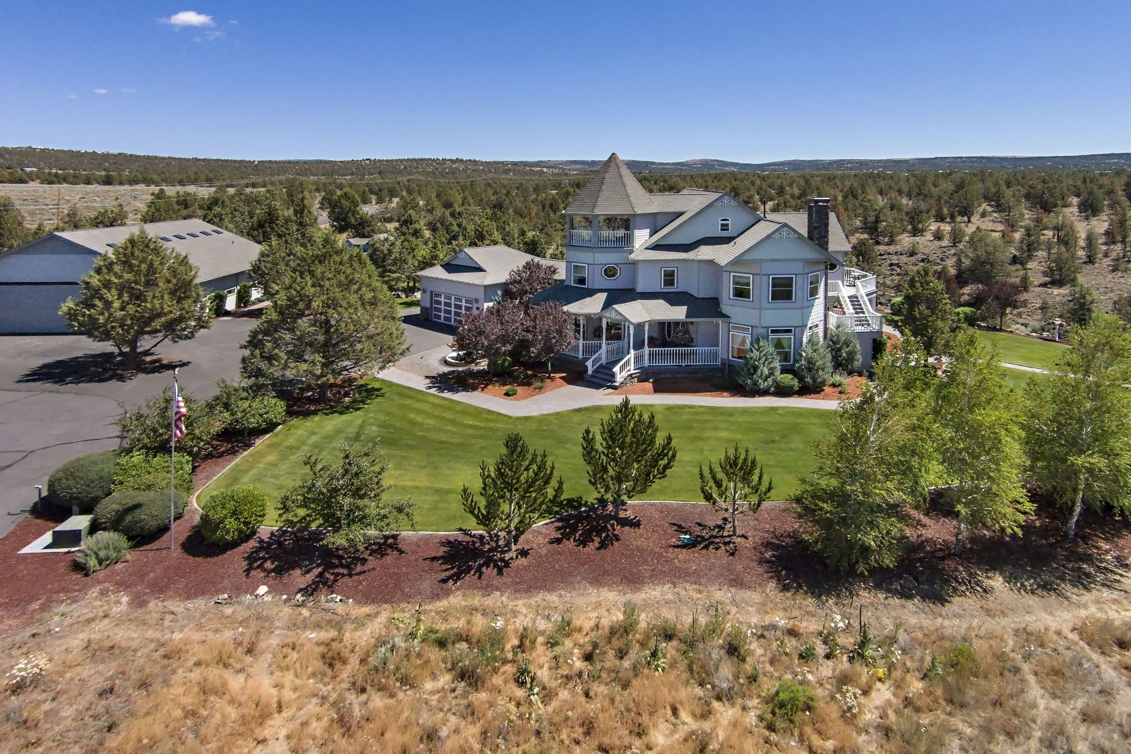 Single Family Home for Sale at Dry Creek Airpark 3194 SE Pilot Dr Prineville, Oregon 97754 United States