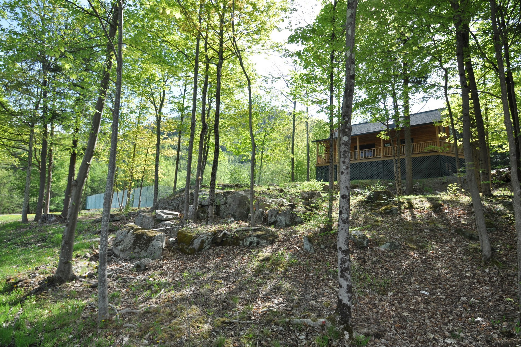 Additional photo for property listing at Lake George - Log Home 5500  Bluff Head Rd 德累斯顿, 纽约州 12841 美国