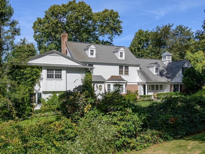 Tek Ailelik Ev için Satış at Colonial 6 Ivy Ct Brookville, New York 11545 Amerika Birleşik Devletleri