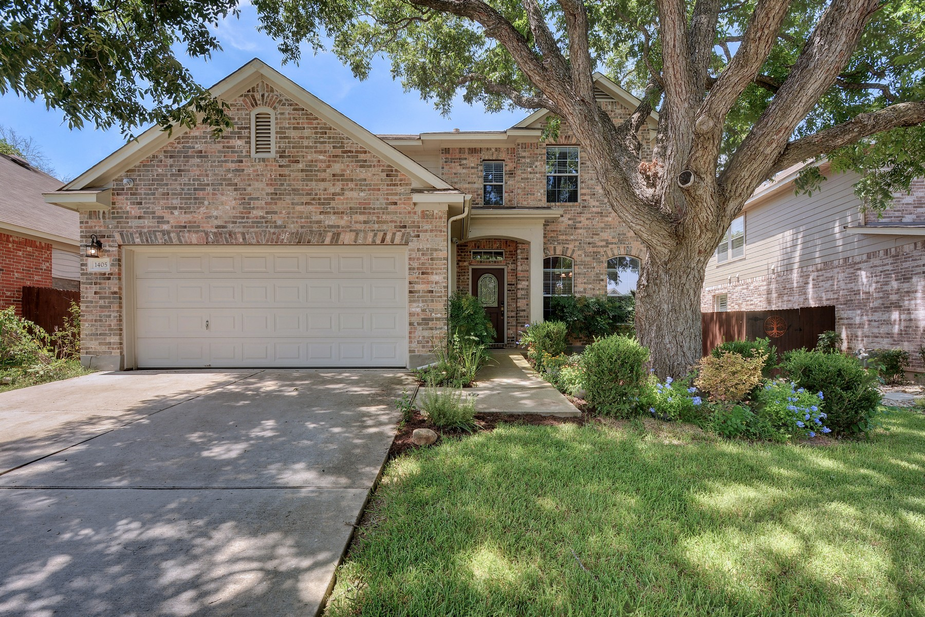Single Family Home for Sale at Minutes to the Domain 1405 Gorham St Austin, Texas 78758 United States