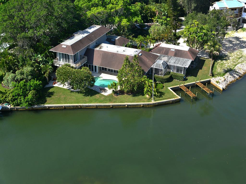 단독 가정 주택 용 매매 에 SOUTH COCOANUT BAYOU 842 Mangrove Point Rd Sarasota, 플로리다 34242 미국