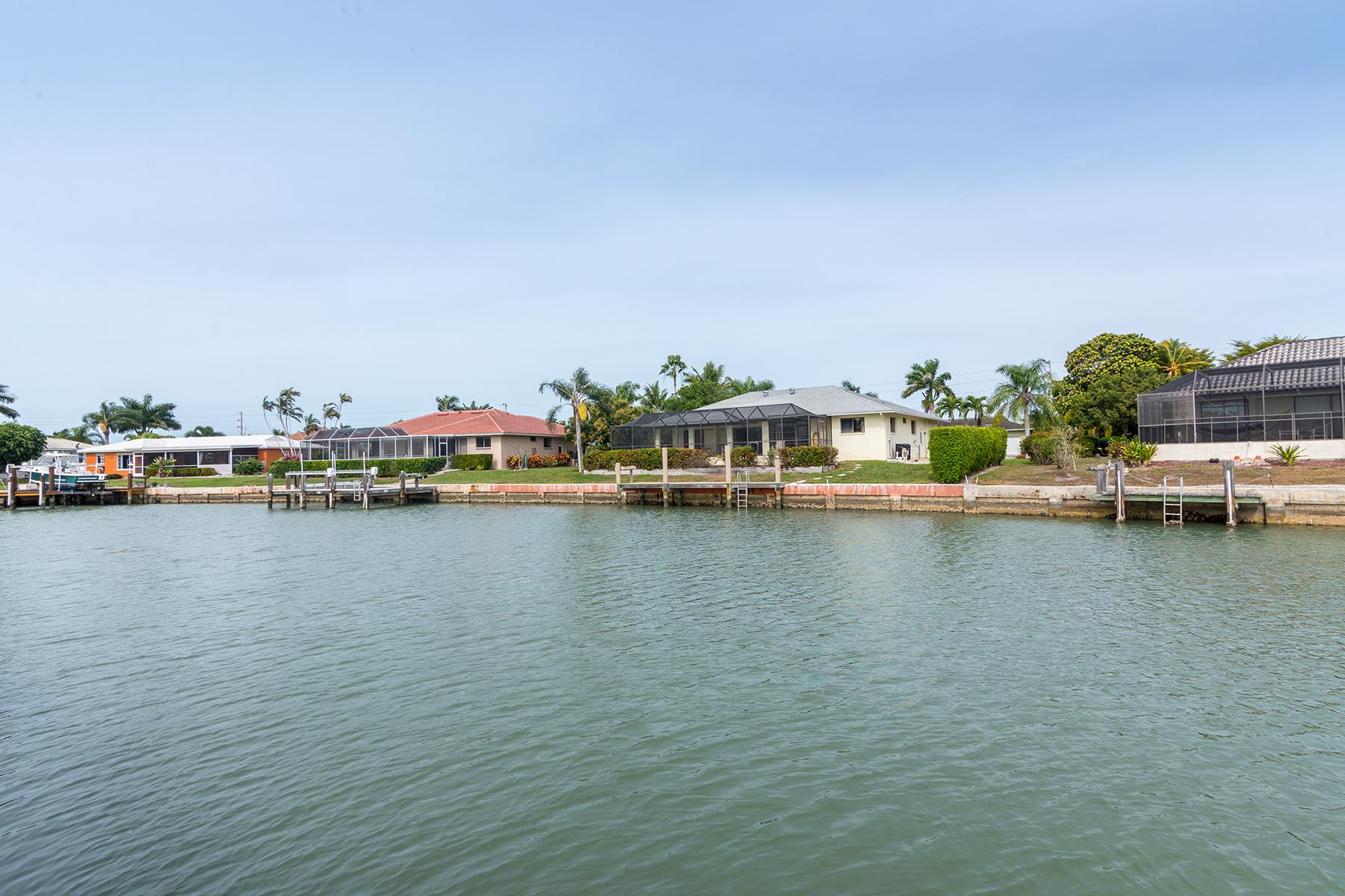 Земля для того Продажа на MARCO ISLAND - JUNIPER COURT 913 Juniper Ct Marco Island, Флорида 34145 Соединенные Штаты