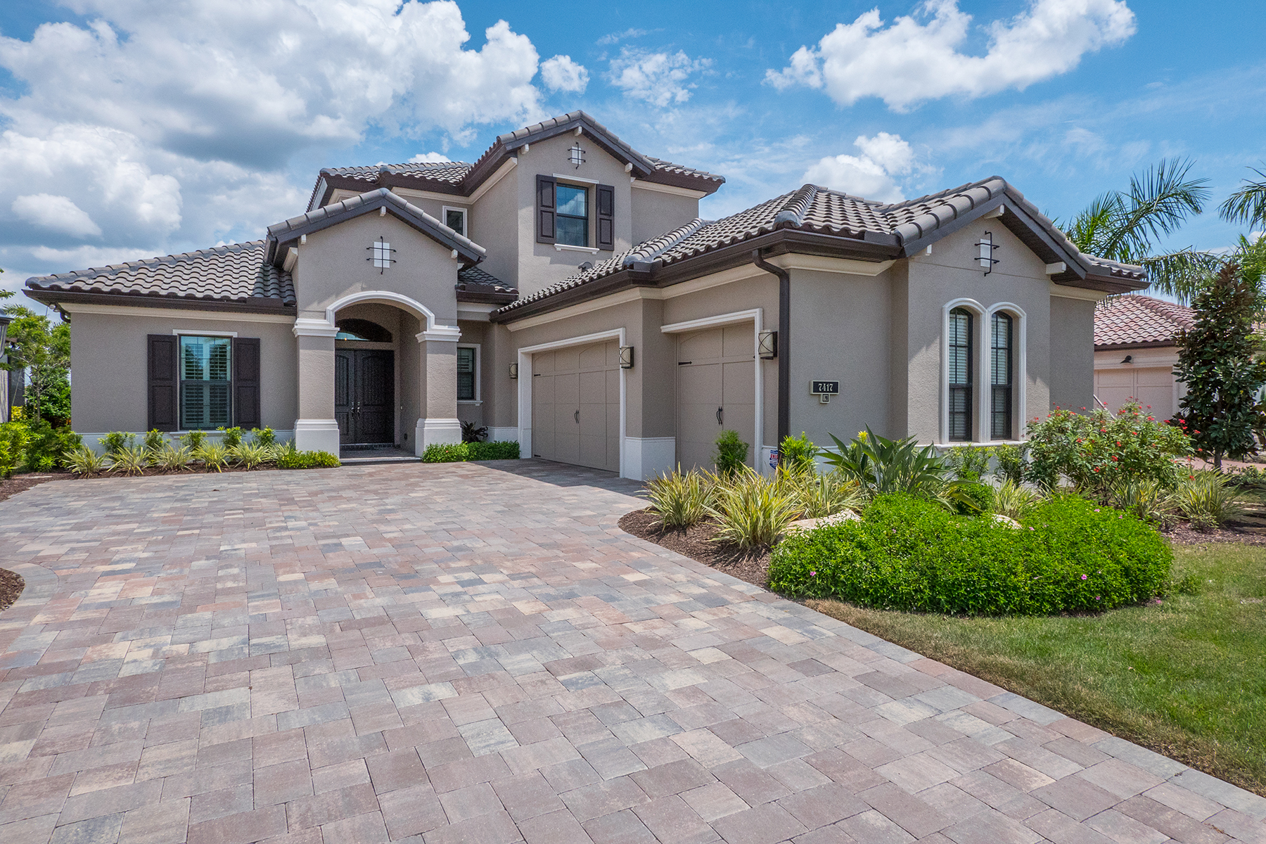 Single Family Home for Sale at LAKEWOOD RANCH COUNTRY CLUB EAST 7417 Haddington Cv Lakewood Ranch, Florida, 34202 United States