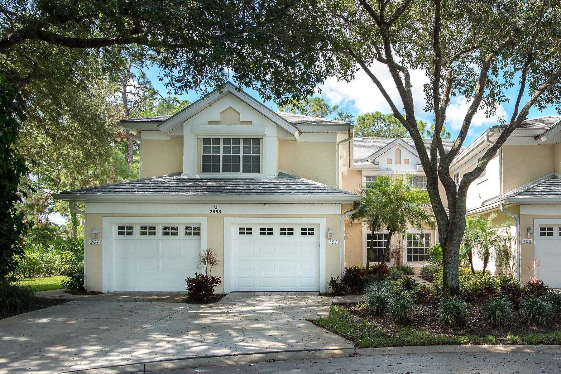 共管式独立产权公寓 为 销售 在 KINGS LAKE - STEEPLECHASE OF NAPLES 2868 Aintree Ln M101 Naples, 佛罗里达州 34112 美国