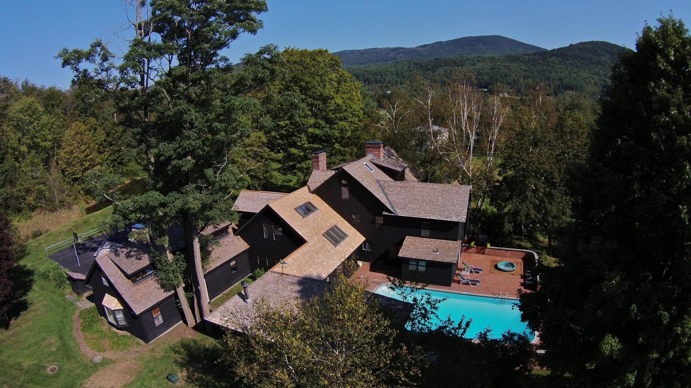 Casa para uma família para Venda às 914 Main Street, Waitsfield Waitsfield, Vermont 05673 Estados Unidos